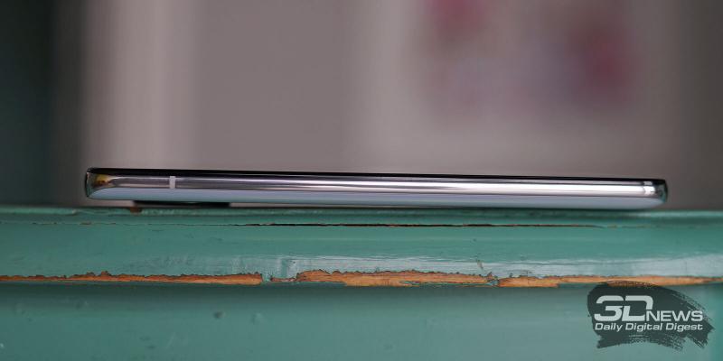 Xiaomi POCO F2 Pro, левая грань свободна от функциональных элементов