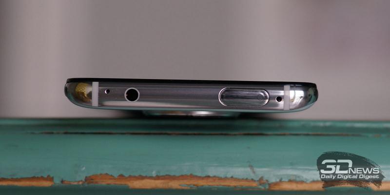 Xiaomi POCO F2 Pro, верхняя грань: выдвижной блок с фронтальной камерой, на его торце можно увидеть светодиод индикатора сообщений; тут же находятся ИК-порт, мини-джек и микрофон